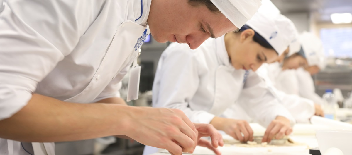 Chefs working at Le Cordon Bleu